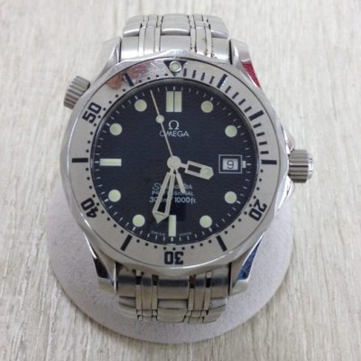 Omega SEAMASTER / PROFESSIONAL / 300M / 1000FT / quartz / analog / scratch discoloration