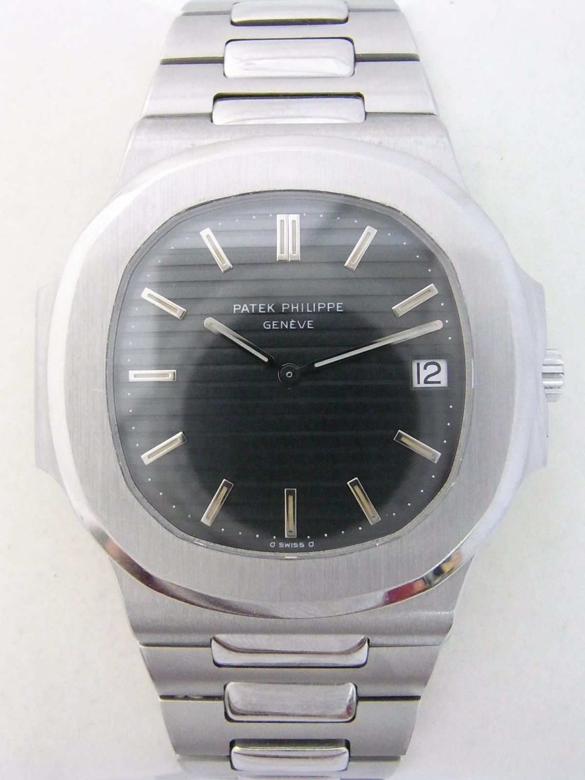 7bf26267c11 Patek Philippe nautilus 3700 011 (Pre-owned watch) 5673