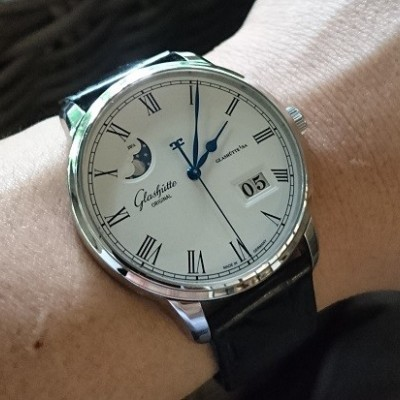 Glashutte Original Panorama Date Moonphase Ref.1-00-04-32-12-04